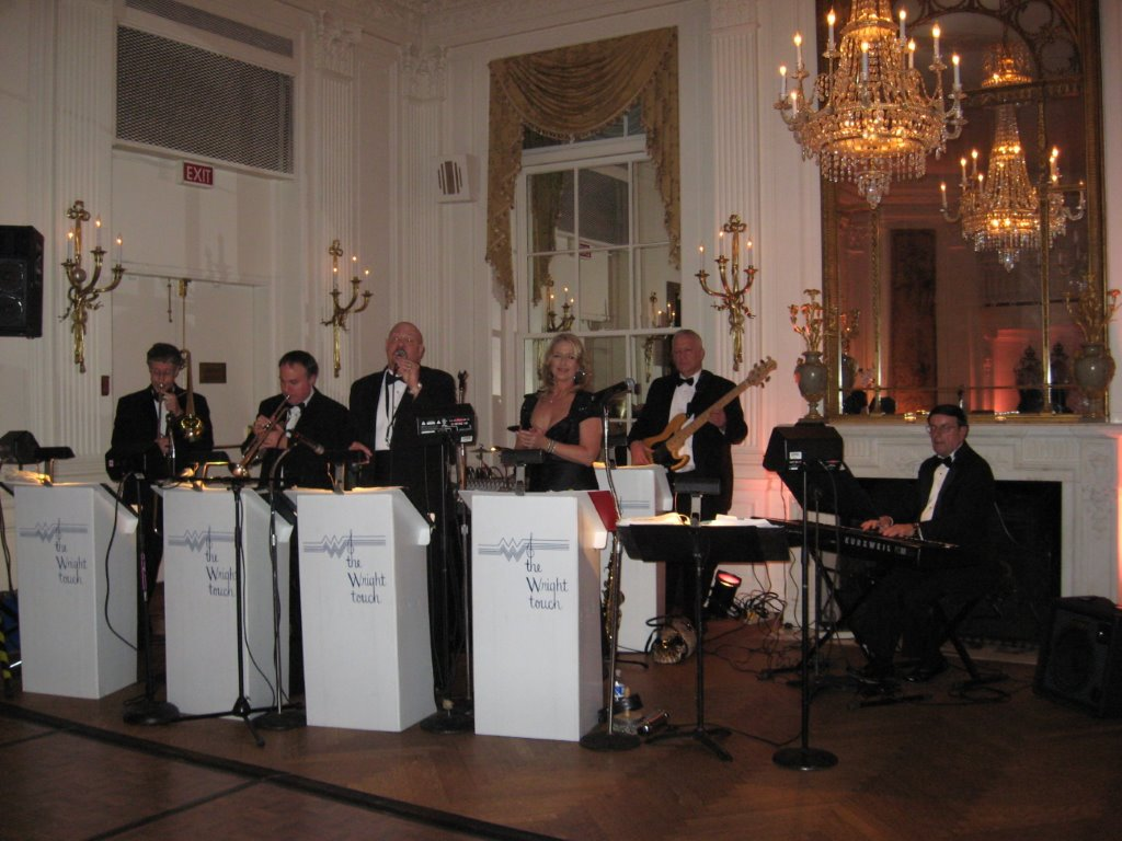 Washington Club - 7 Member Band with Female Vocalist